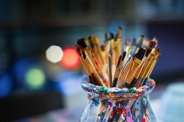 Comment le dessin aide les personnes qui ne travaillent plus